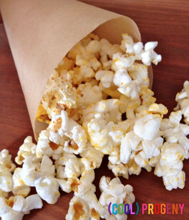 Healthy Snacks: Popcorn with Nutritional Yeast