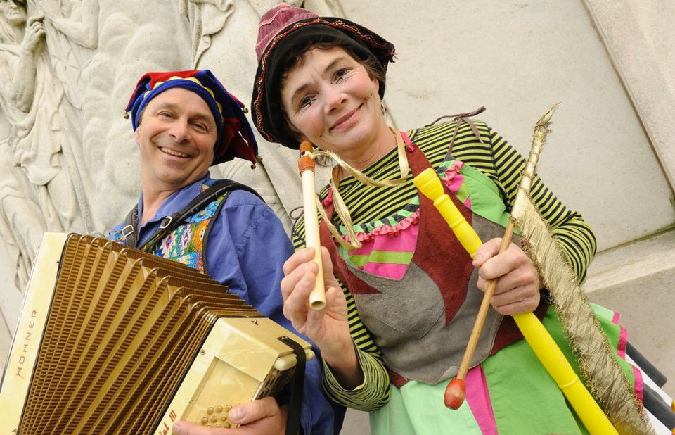 Baltimore family Events - Nicolo Whimsey at the St. James Academy Dinner Theatre