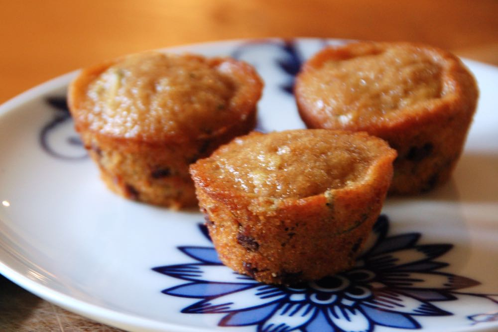 banana zucchini chocolate chip mini muffins - (cool) progeny