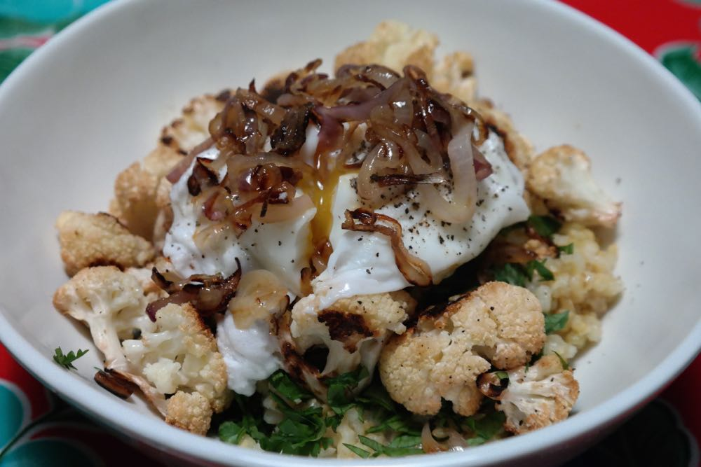 weeknight meals: cauliflower rice bowl with poached egg - (cool) progeny