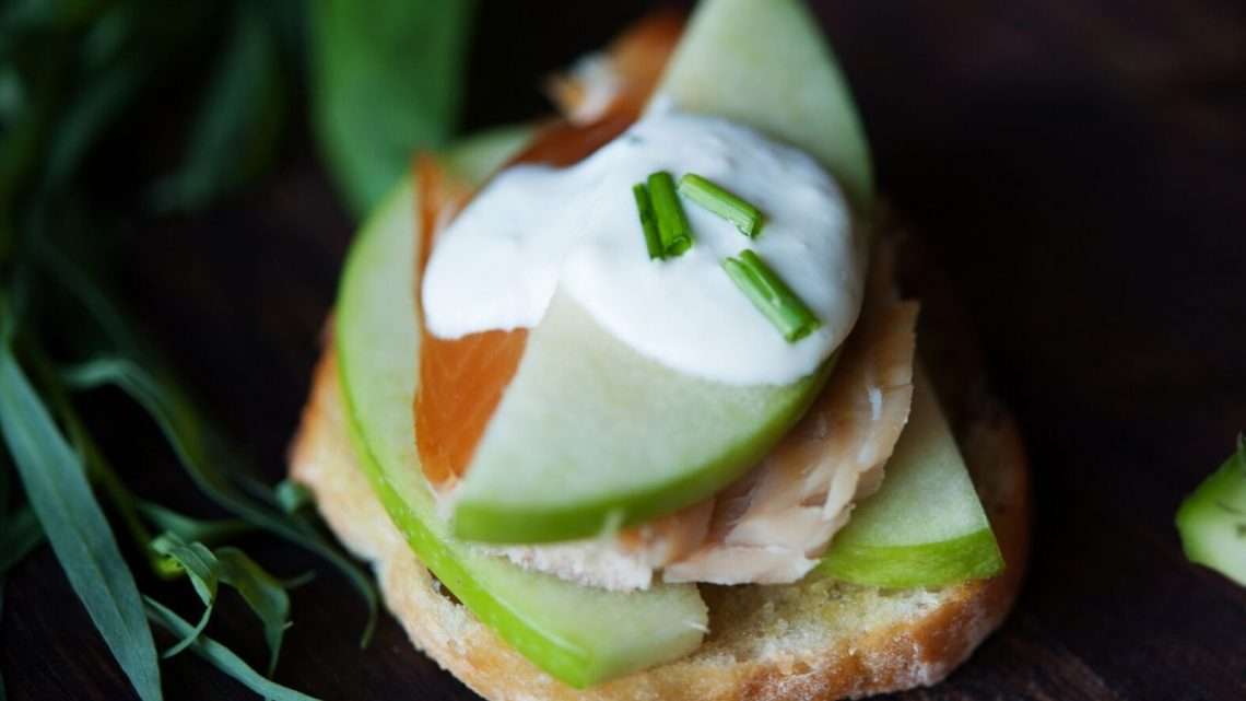 10 Ideas for Crostini: Smoked Trout & Apple - (cool) progeny