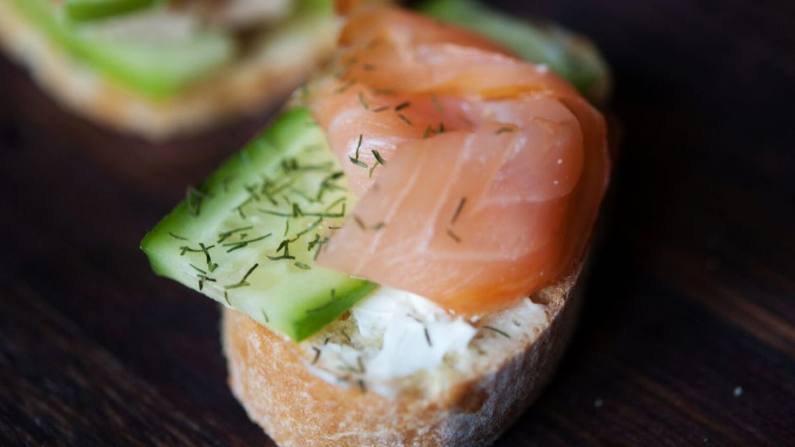 10 Ideas for Crostini: Smoked Salmon, Cucumber & Cream Cheese - (cool) progeny