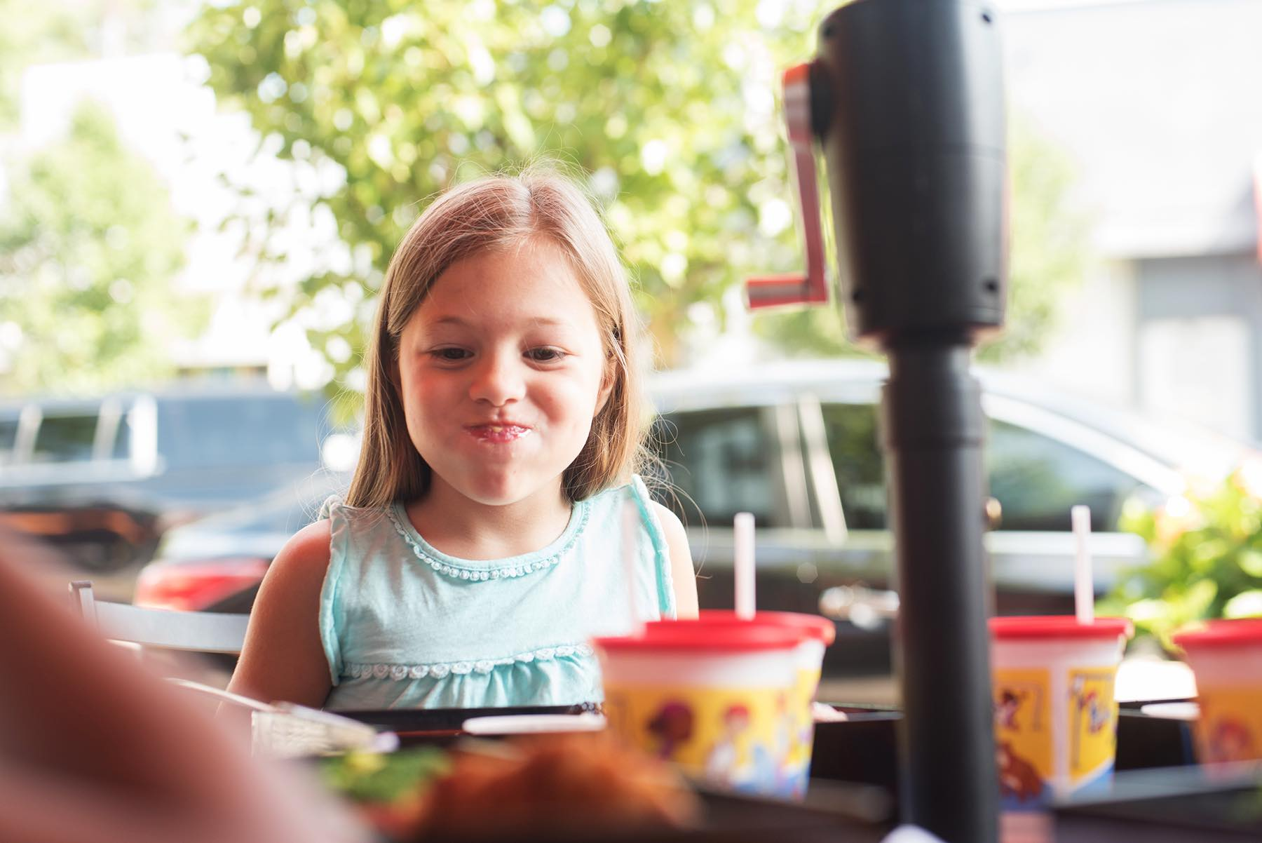 How To Eat Without Grossing Everyone Else - (cool) progeny