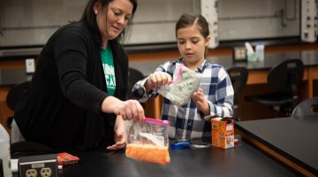 Science Fun with Stevenson: Exploding Baggies! - (cool) progeny
